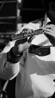 神戸市消防音楽隊による演奏で素晴らしかったフルート奏者の写真・画像素材[1594855]