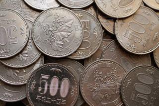 500円玉硬貨のクローズアップ写真の写真・画像素材[1598625]