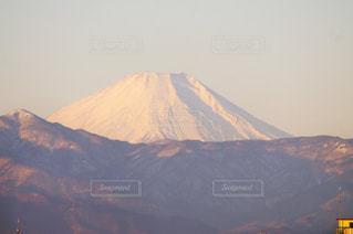 真冬の富士山の正面からの写真の写真・画像素材[1694786]