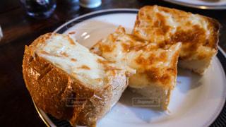 カフェのチーズトーストの写真・画像素材[1699293]