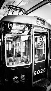 阪急今津線の今津駅で発車を待つ6000系電車の写真・画像素材[1813155]