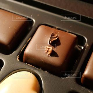 四角い甘いチョコレートの写真・画像素材[1836051]