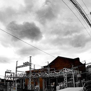 阪急神戸線六甲駅近くにある1920年に建てられた六甲変電所の写真・画像素材[1844925]