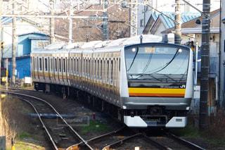 カラーリングが鮮やかなJR南武線の車両の写真・画像素材[1854803]