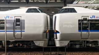 大阪駅に到着した特急サンダーバードの写真・画像素材[1863872]