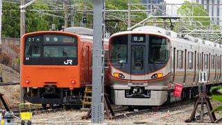 大阪環状線から引退したバーミリオンオレンジの201系電車の写真・画像素材[2183645]