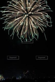 東京多摩川の夏の風物詩、花火大会の写真の写真・画像素材[2382561]
