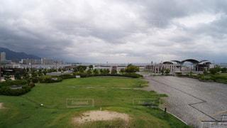 びわ湖浜大津駅からつながる展望台から眺める琵琶湖、大津港の景色の写真・画像素材[2439765]