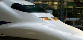 東京駅に入線する東海道新幹線の700系のぞみの写真・画像素材[2492336]