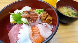 東京築地の場内市場で食べた美味しくて安い海鮮丼の写真・画像素材[2588160]