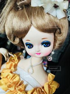 可愛い顔のポーズ人形の写真・画像素材[1036128]