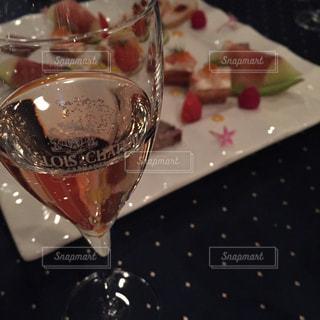 No.284132 シャンパン