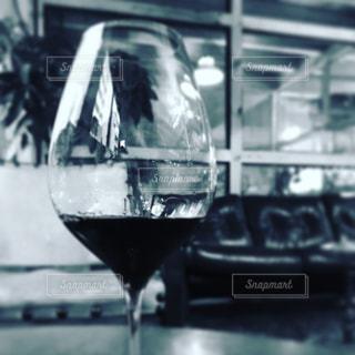 近くにワインのグラスのの写真・画像素材[1119256]