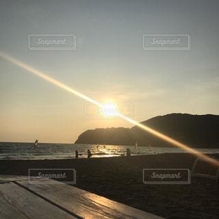 夏のサンセットの写真・画像素材[1354712]
