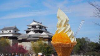 松山城とアイスの写真・画像素材[1231801]