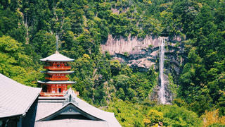 那智の滝と三重の塔の写真・画像素材[2118839]