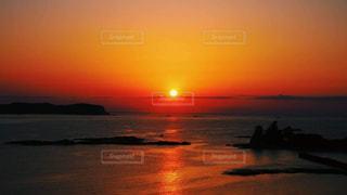 勝浦の夕陽の写真・画像素材[2118843]