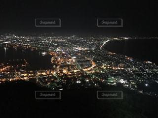 夜の街の景色の写真・画像素材[813120]