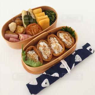 おいなりさん弁当の写真・画像素材[937699]