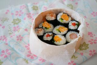 春の手巻き寿司弁当の写真・画像素材[1043384]