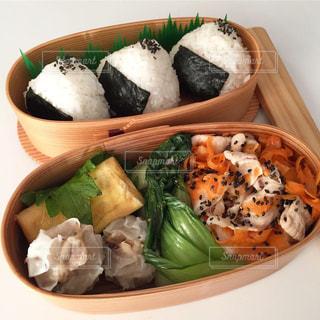 料理の種類でいっぱいのボックスの写真・画像素材[1670649]