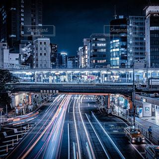 夜の都市の眺めの写真・画像素材[3086301]
