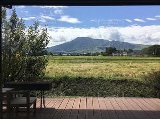 阿蘇の田園風景の写真・画像素材[4042233]