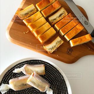 さつまいものチーズケーキの写真・画像素材[1862412]