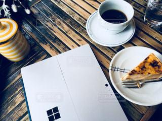 オシャレカフェでSurface PCの写真・画像素材[1454604]