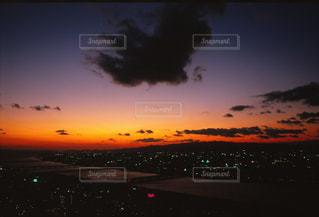 空中庭園からの夕焼けの写真・画像素材[702471]