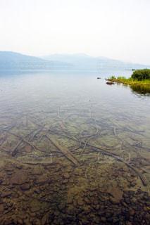 幻想的に霞んだ湖 - No.717117