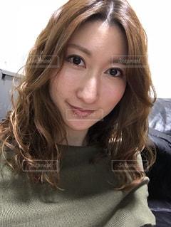 selfie を取る女性の写真・画像素材[990479]