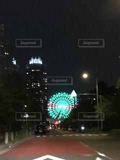 夜青信号の写真・画像素材[705400]