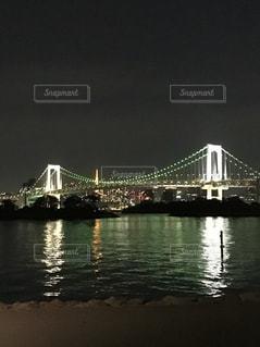 水の体の上の橋の写真・画像素材[889751]