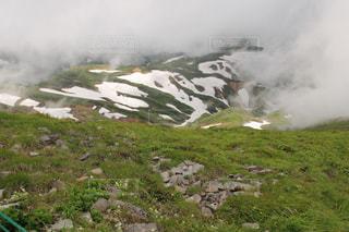 多くの丘の煙の写真・画像素材[1303377]
