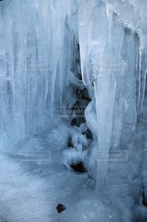 雪の滝の写真・画像素材[1755070]
