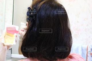赤い髪の女性の写真・画像素材[2404555]