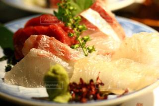 食べ物の皿のクローズアップの写真・画像素材[2491819]