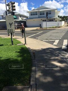 道の端にサインの写真・画像素材[886968]
