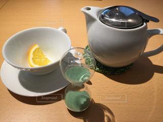 #ティータイム#紅茶#待ち時間#砂時計#午後のひと時の写真・画像素材[351431]