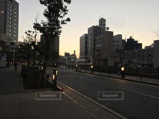 街の通りのビューの写真・画像素材[988857]