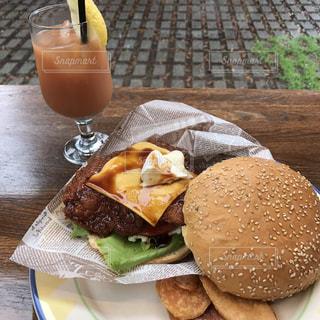 ハンバーガーの写真・画像素材[676016]