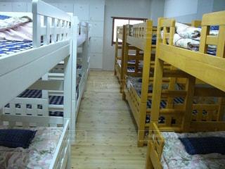 旅先・ドミトリーのベッドの写真・画像素材[1124342]