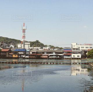 橋と古い町並みの写真・画像素材[848496]