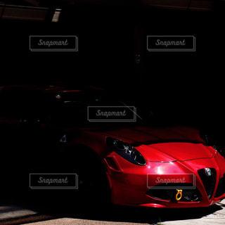赤い車の写真・画像素材[864810]