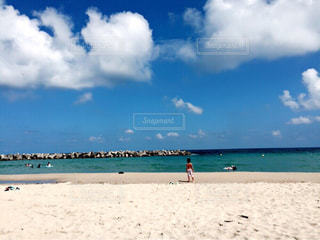 青空とビーチ - No.971368