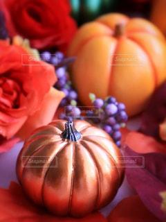 近くの花のアップの写真・画像素材[803635]
