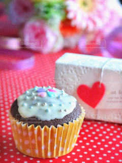 テーブルに飾られたケーキの写真・画像素材[858768]