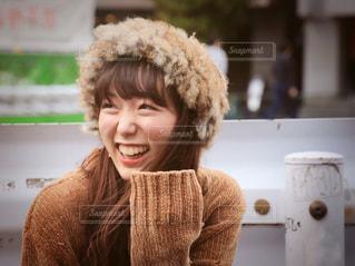 笑顔の若い女性の写真・画像素材[1550265]
