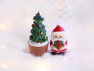 クリスマスの置物 サンタとツリーの写真・画像素材[1604981]